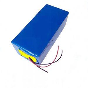 Акумуляторна батарея LiFePO4 10Ah 12V літій-фосфатна залізна батарея для легкої / ДБЖ / електроінструменту / планера / льодова рибалка
